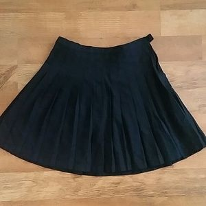 Lands End pleated skirt